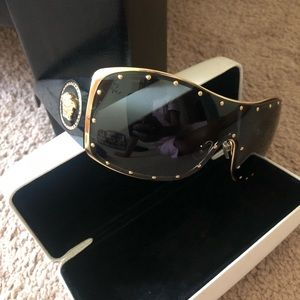 Versace unisex sunglasses.
